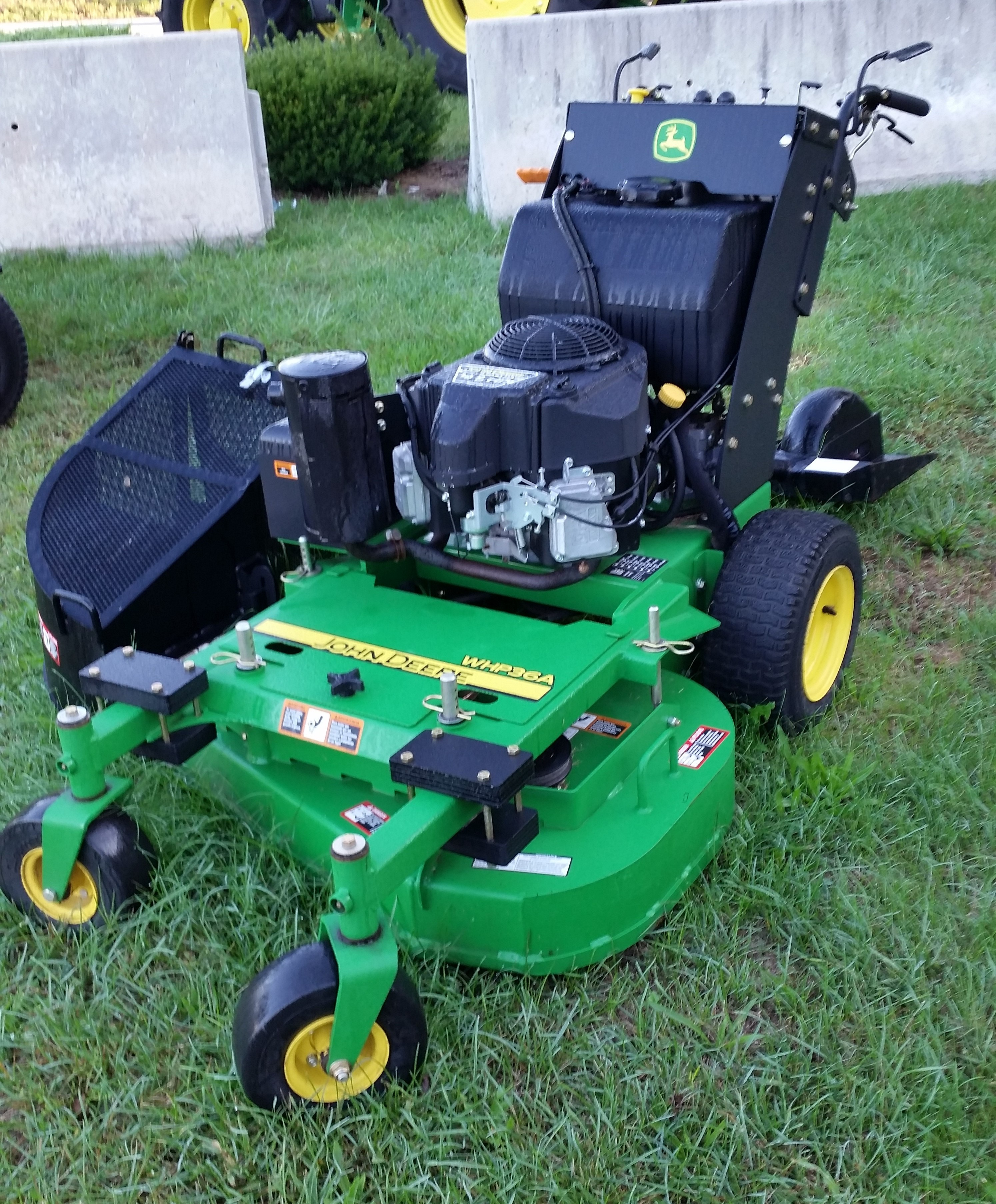 JD WH36A COMMERCIAL WALK BEHIND MOWER | Smith's Implements