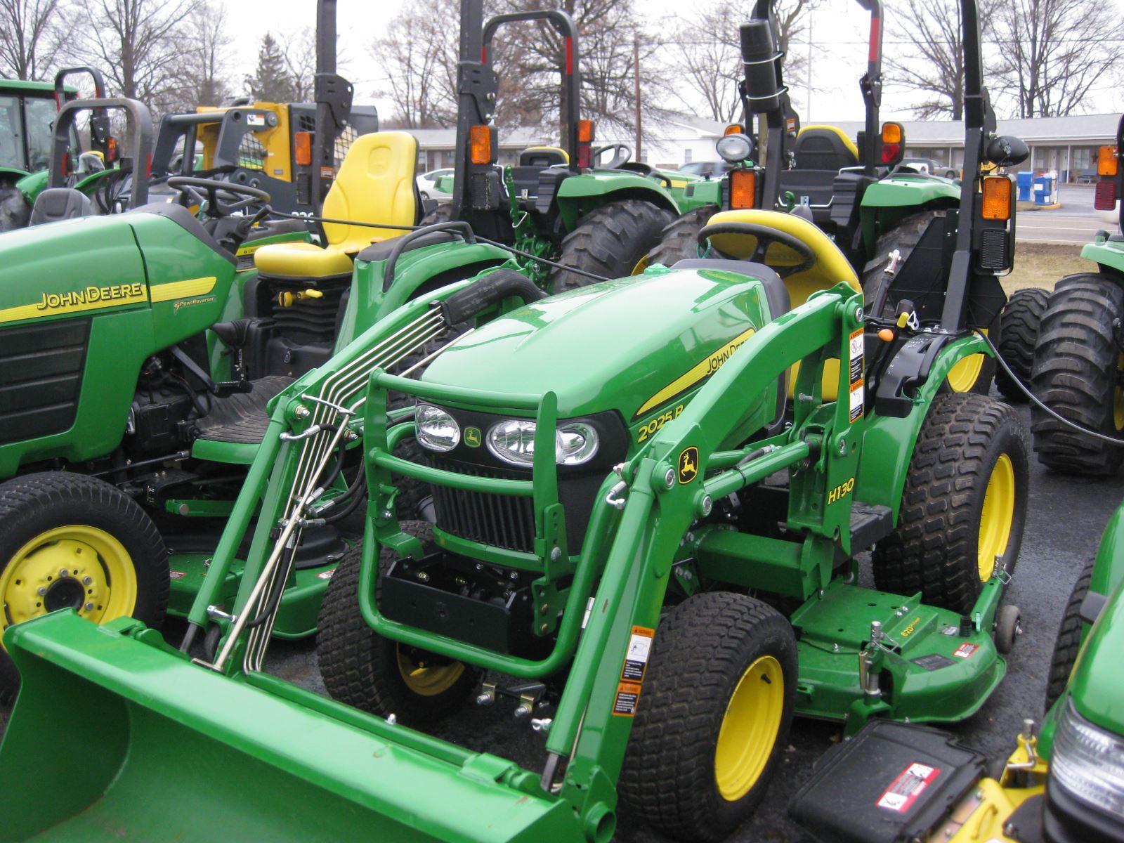 2014 John Deere 2025R w/ 62D Mower & H130 Loader - Compact Tractors ...