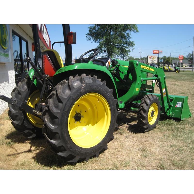 John Deere 3038E Compact Utility Tractor Loader