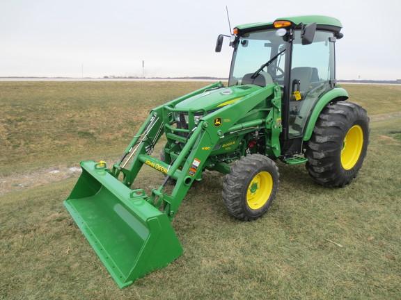 Compact Utility Tractors : John Deere 4066R