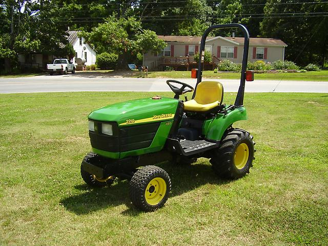 Details about NICE 2004 JOHN DEERE 2210 4X4 TRACTOR