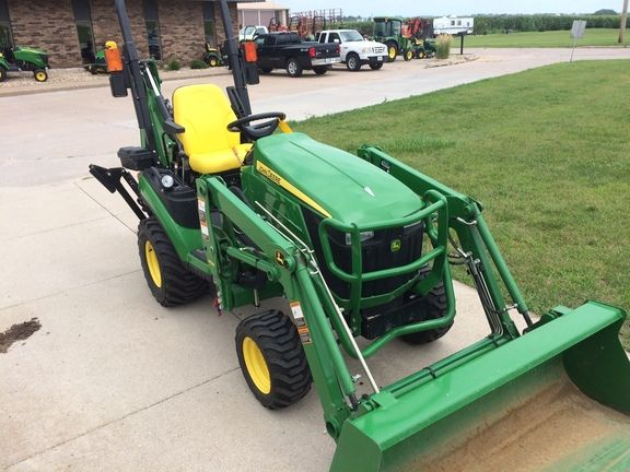 2014 John Deere 1025R TLB (127420) | Holland and Sons