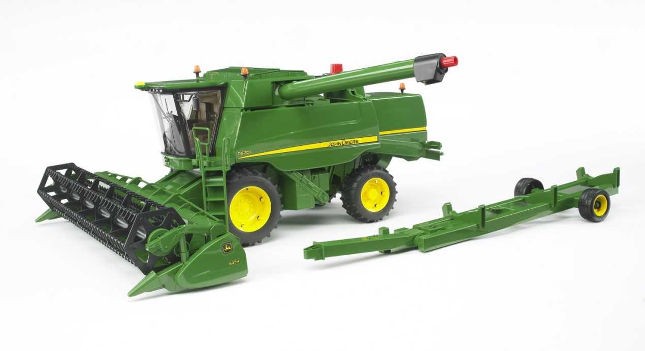 Bruder 02132 : John Deere Combine Harvester T670i