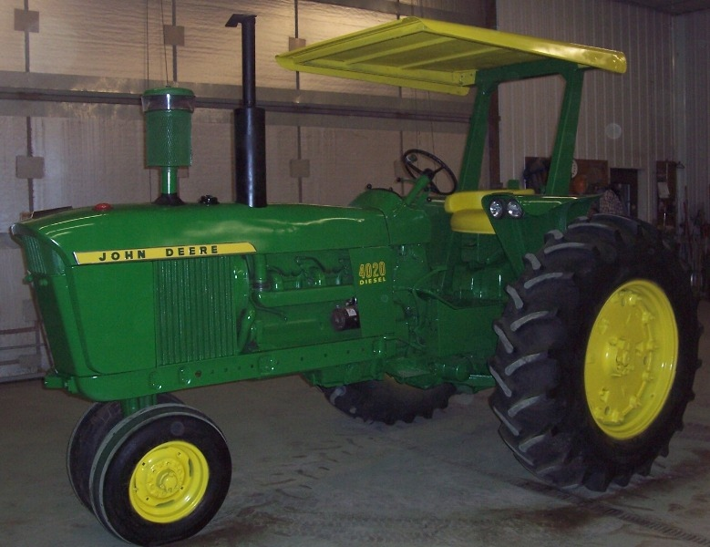 Tractor of the Week: 1968 John Deere 4020 w/ ROPS