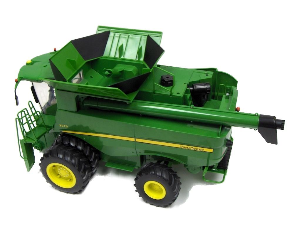Ertl John Deere S670 Combine Big Farm Series 1 16 46070 eBay