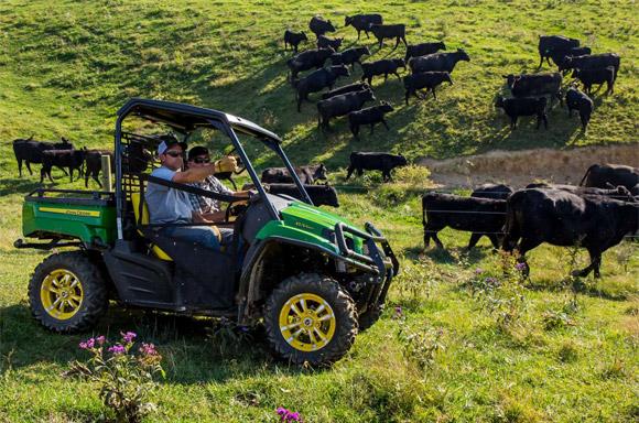 John Deere Unveils new Gator XUV590i and XUV590i S4