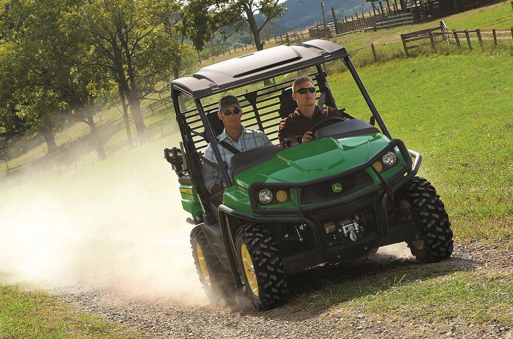 2016 John Deere Gator XUV590i and XUV590i S4 Preview - ATV.com