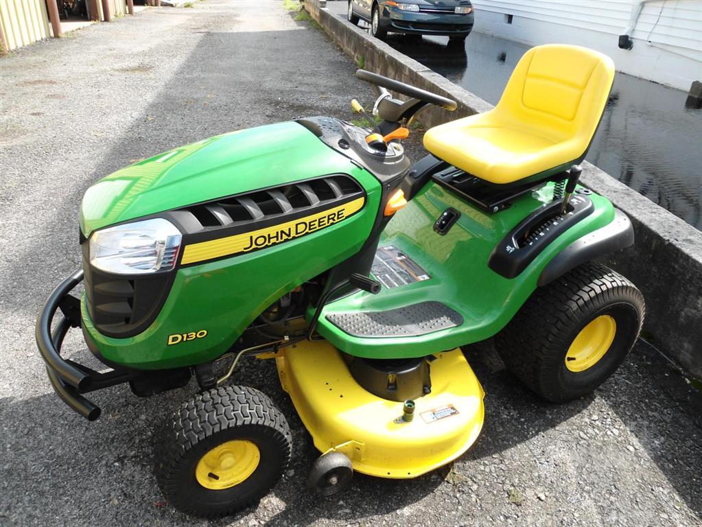 John Deere D130 Back to Tractors - Lawn & Garden