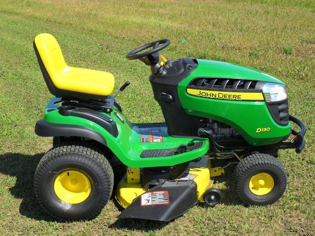 John Deere D130 Garden Tractor, 42