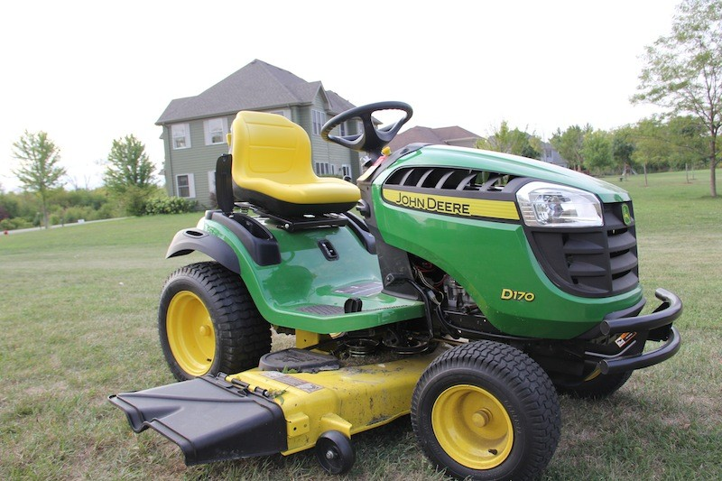 John Deere D170 Lawn Tractor - Review - Tools In Action - Power Tools ...