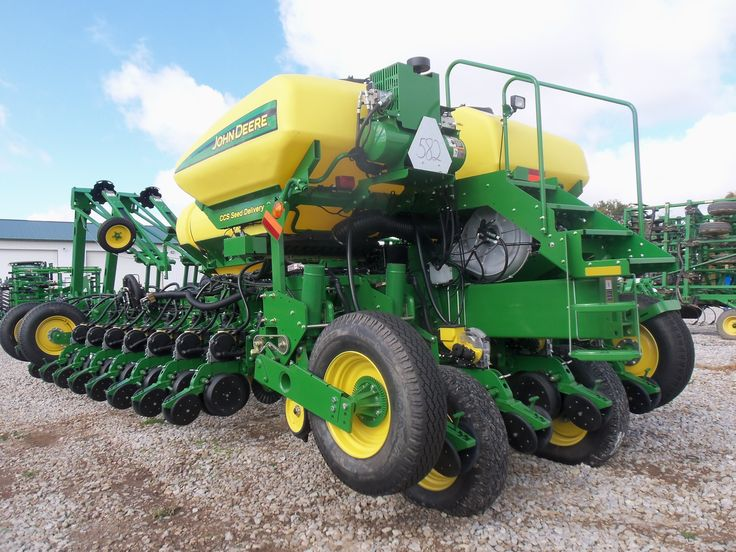 Rear of 30 row JOhn Deere DB60 planter | John Deere equipment | Pint ...