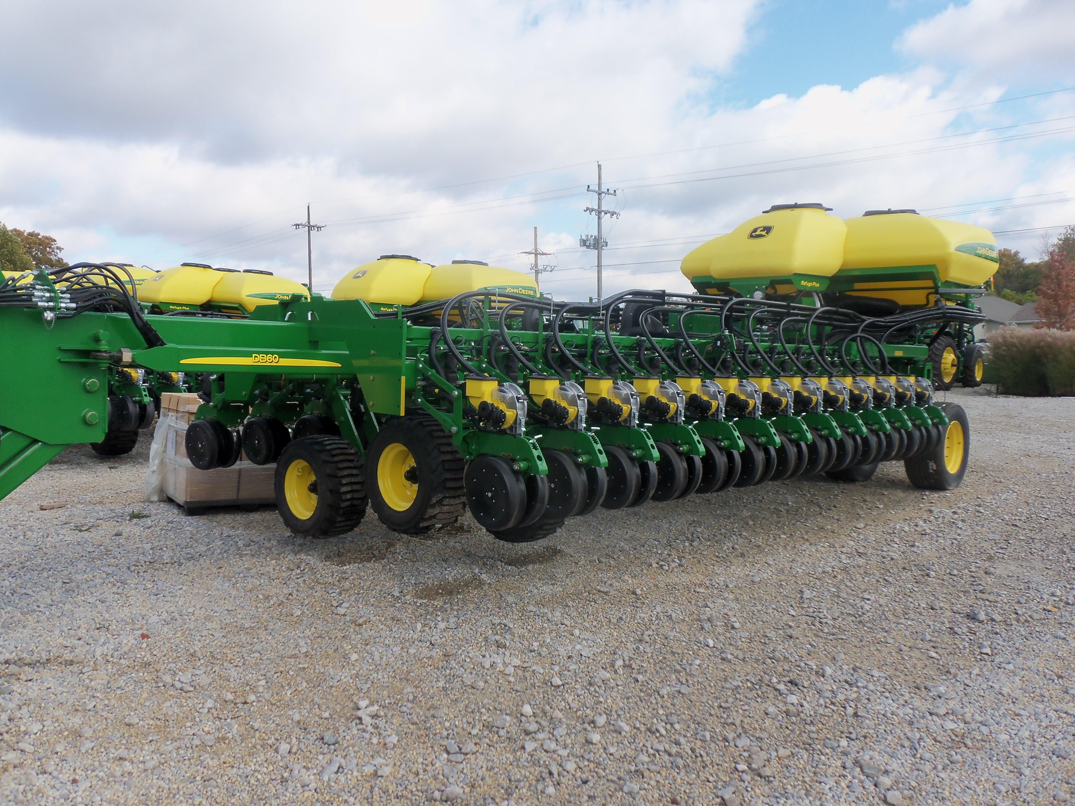 30 row John Deere DB60 corn planter | John Deere equipment | Pintere ...