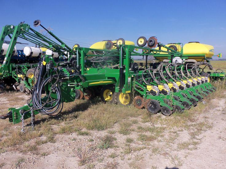 51 row John Deere DB60 corn planter | John Deere equipment | Pinterest