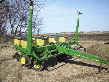 John Deere 7000 4 Row 36″ Spacing Planter – The Farm Shopper