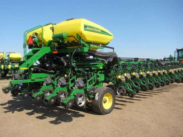 S53314-0001 - 2011 John Deere DB90 36 Row Planter