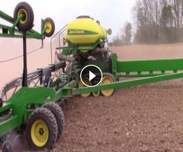 John Deere DB90 36 Row Corn Planter on Tracks