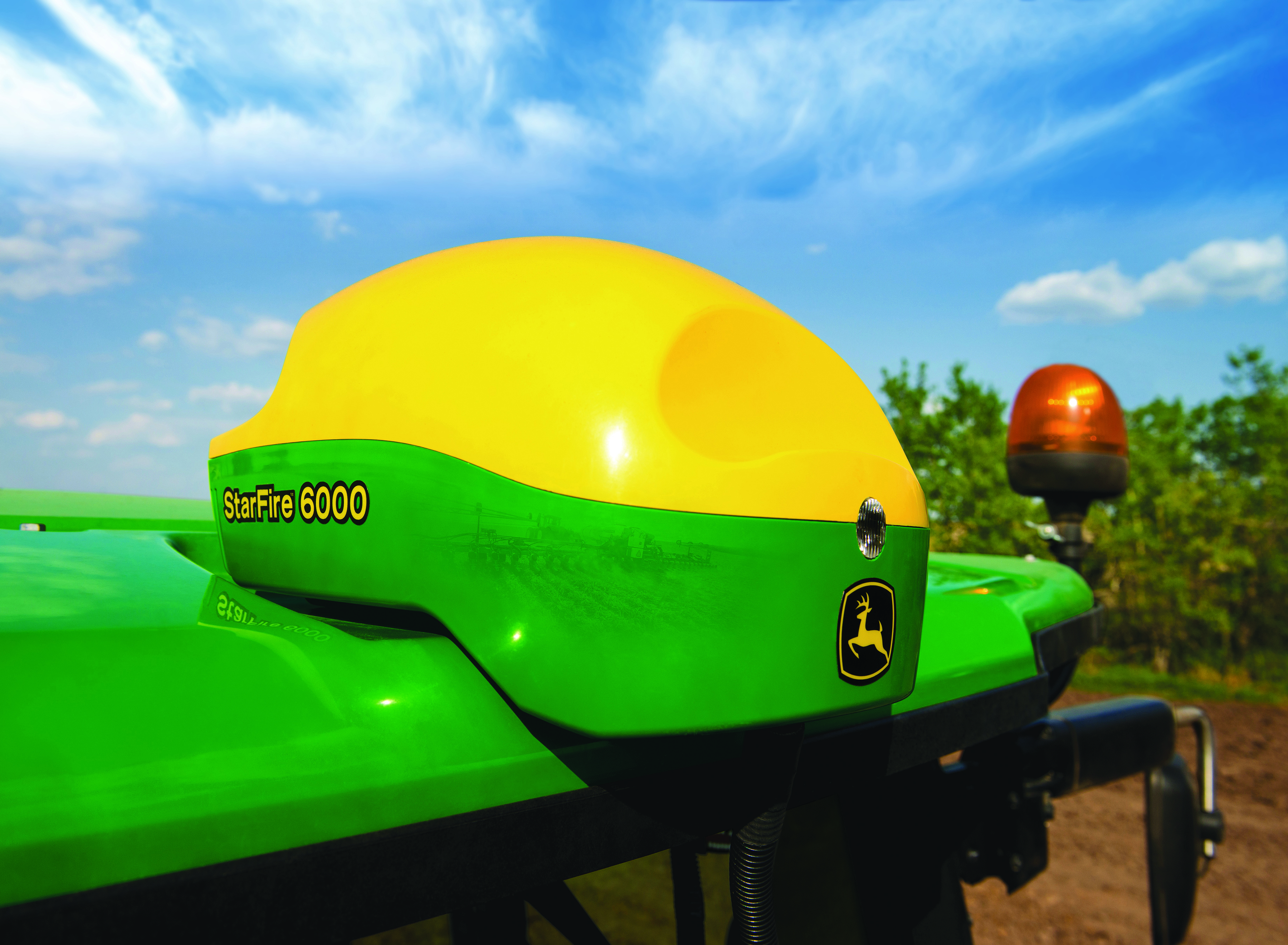 John Deere StarFire 6000 Receiver Improves Accuracy and Precision