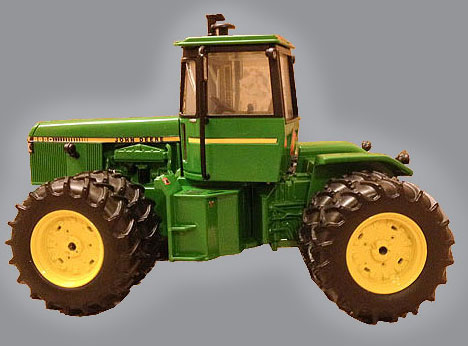 John Deere 8650 4WD - Official 2016 National Farm Toy Show Tractor 1 ...