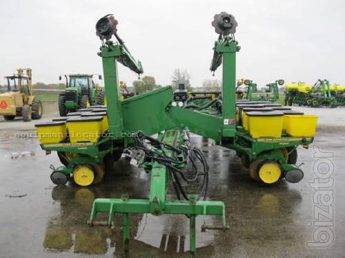 Planter row exact sowing John Deere John Deere 7200 7200 16 series ...