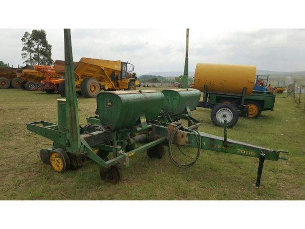 JOHN DEERE 7000 PLANTER 3 Row for sale Springs • olx.co.za