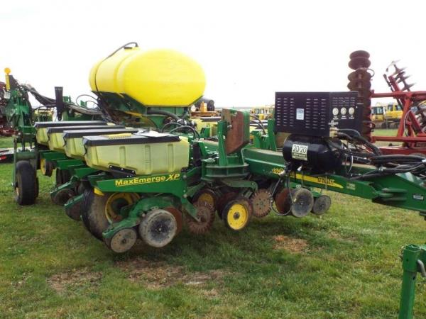 Used Equipment Used 2009 John Deere 1770NT CCS Planter - 12 Row - 30 ...