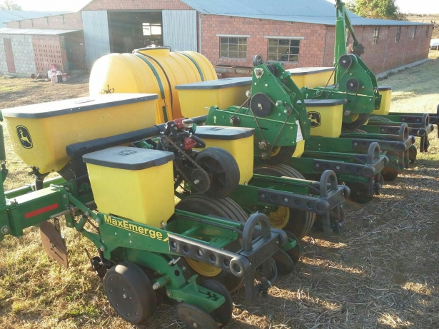 2015 John Deere 1750 six row planter Dundee • olx.co.za
