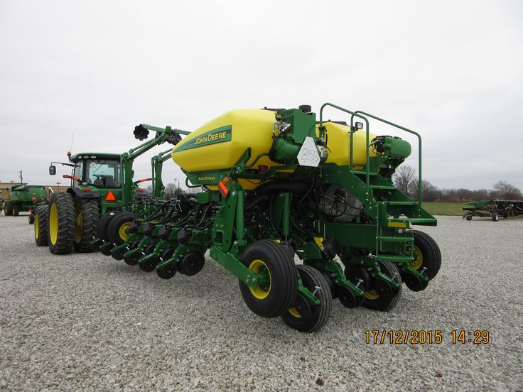 John Deere 8285R & 16 row 1775NT | John Deere equipment | Pinterest ...