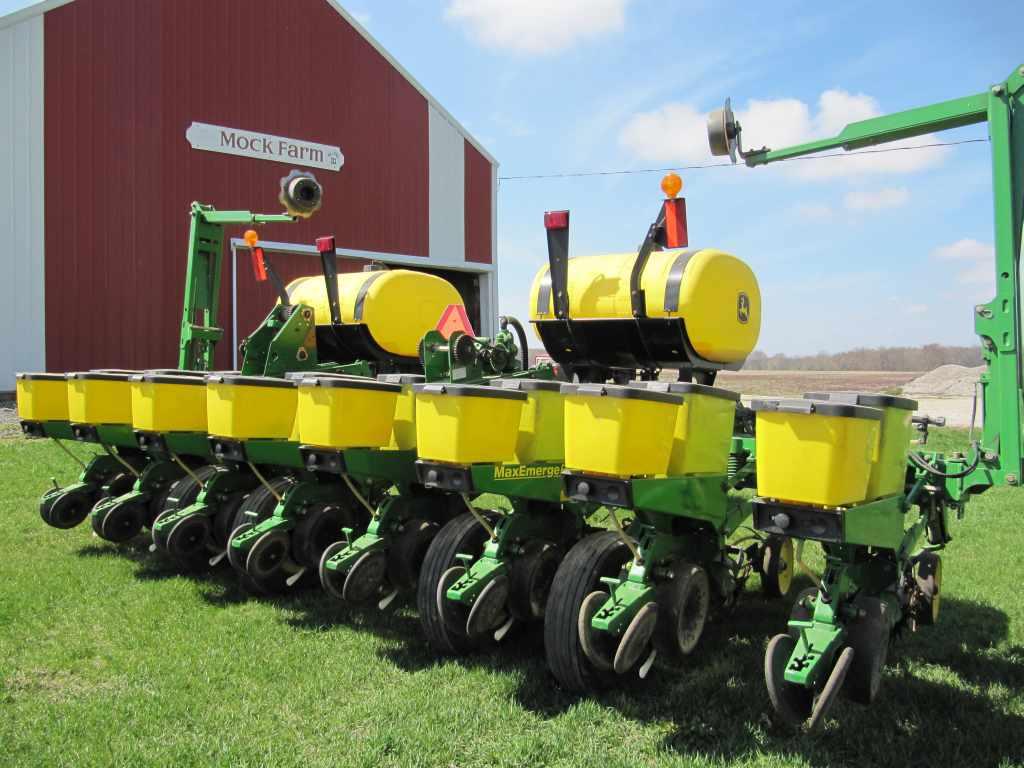 Row+Corn+Planter kb jpeg john deere 1750 8 row 30 corn planter ...