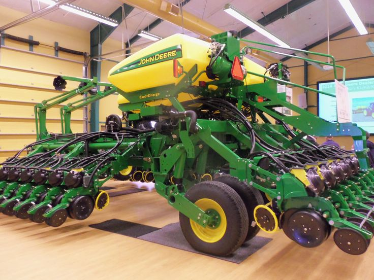 New 2014 JOhn Deere ExactEmerge 1795 NT corn planter