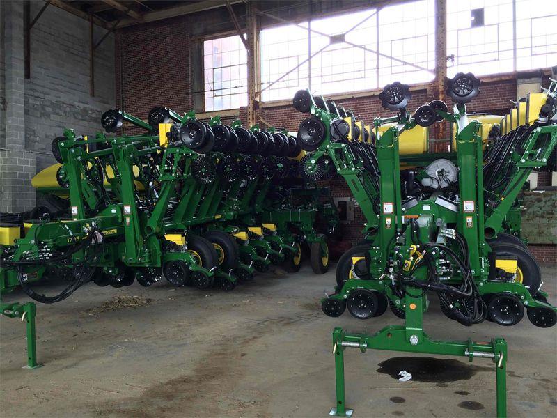 2015 John Deere 1795 Planters/Row Units for Sale | Fastline