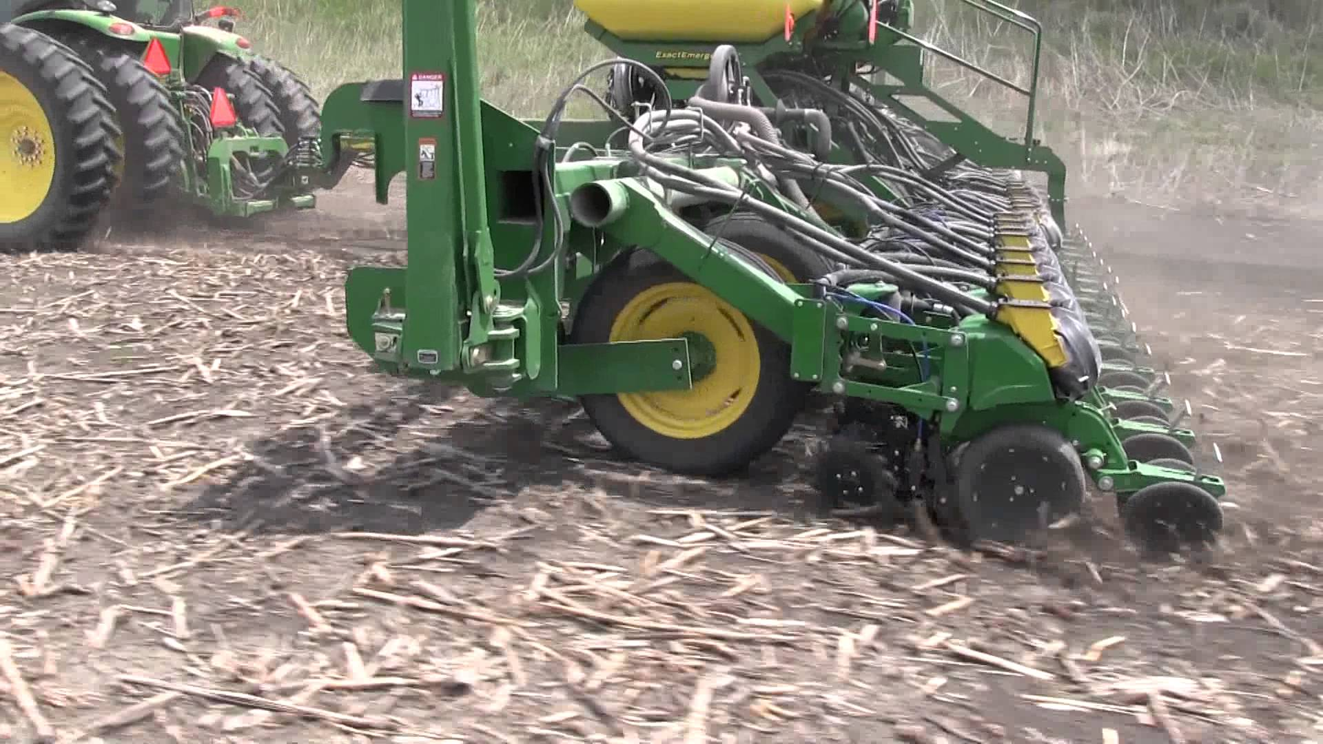 2940 Yetter Air Adjust on John Deere 1795 ExactEmerge™ 24R20 ...
