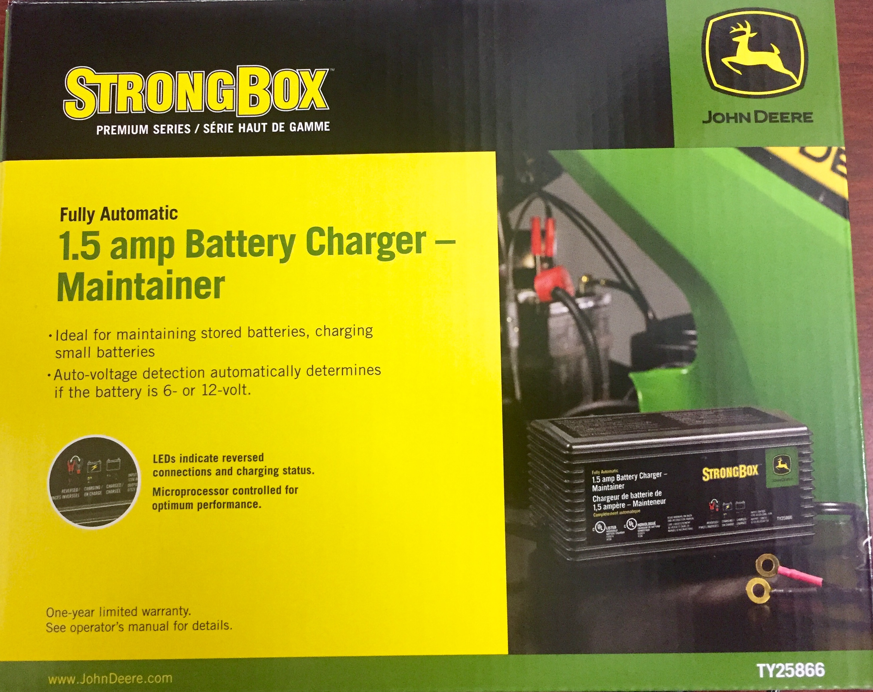 John Deere Fully Automatic 1.5-Amp Battery Charger/Maintainer ...