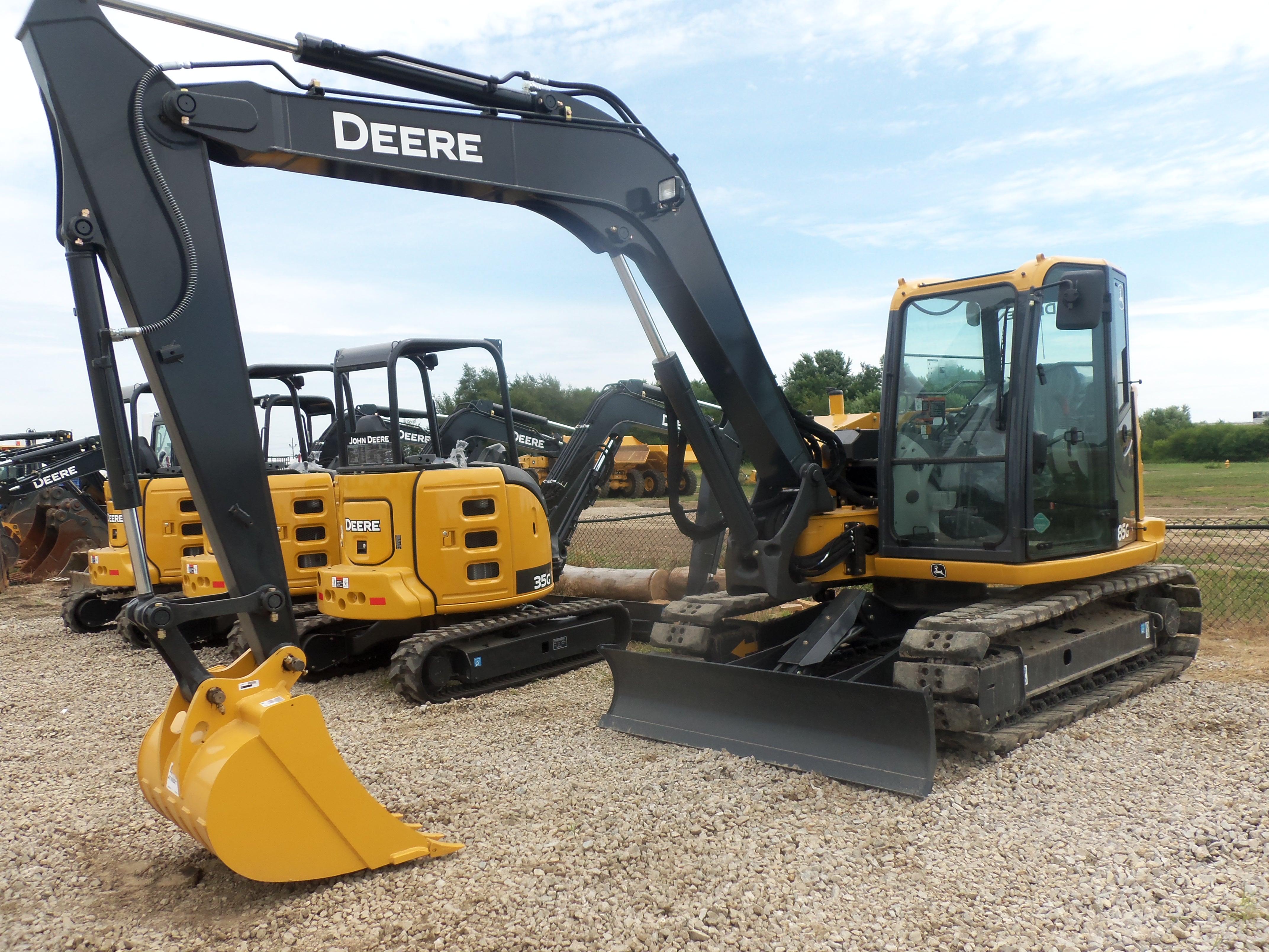 John Deere 85G compact excavator John Deere, Jd Construction, 85G ...