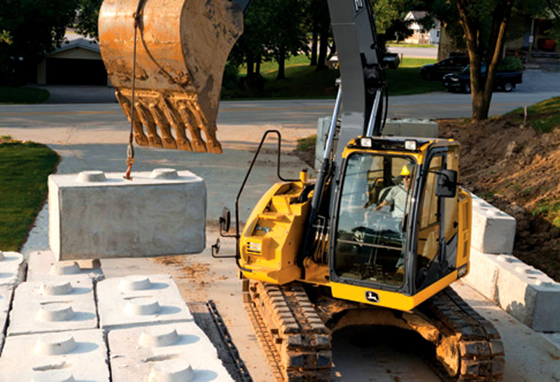 MainPump: Excavator John Deere 135G goes into production