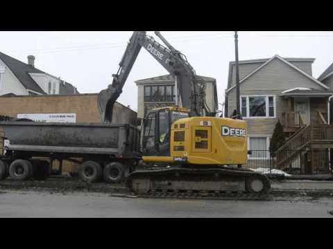 John Deere 245G LC Excavator Digging - YouTube