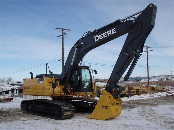 Used John Deere 250G LC crawler excavators Year: 2014 for sale ...