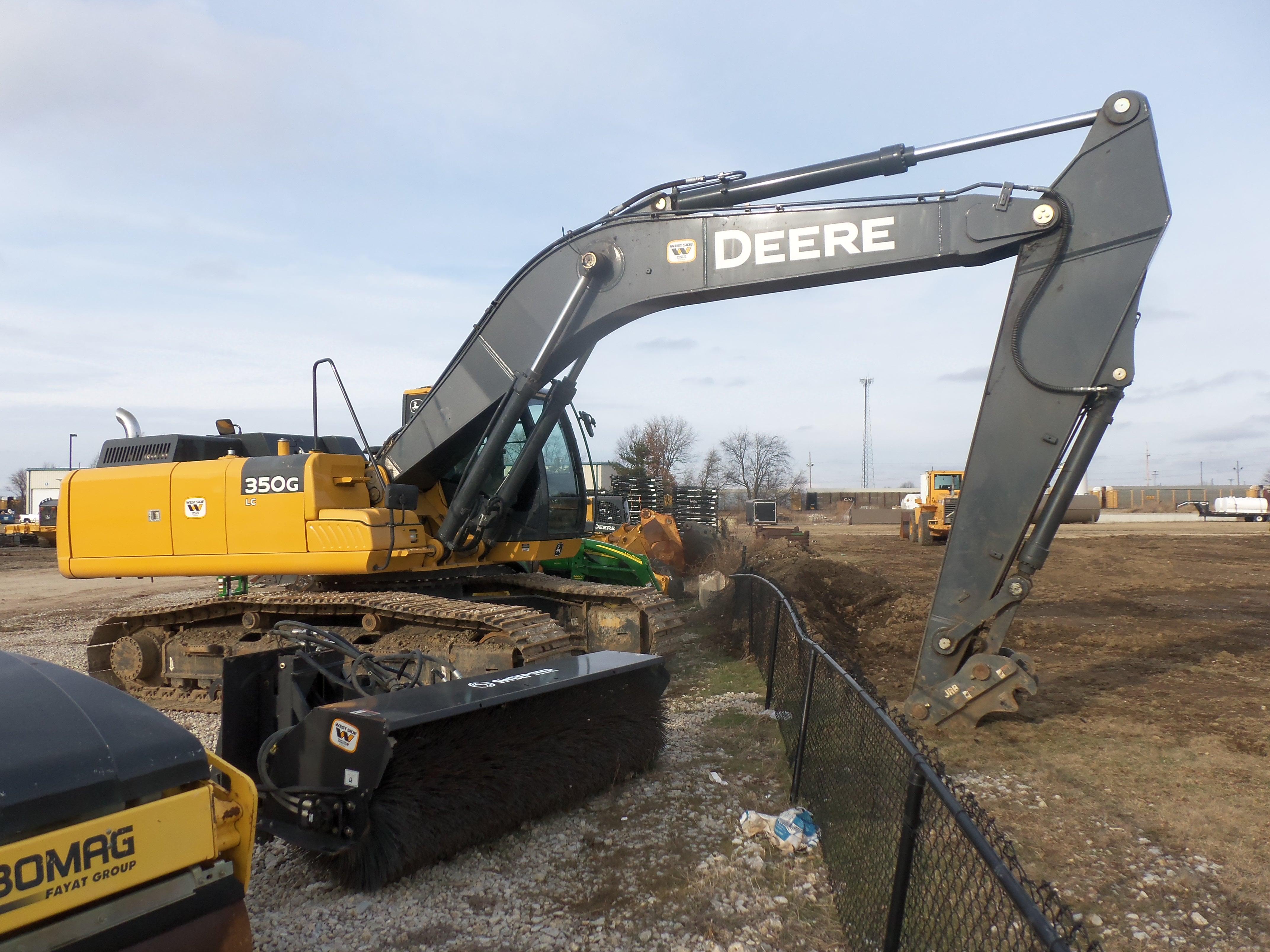 John Deere 350G LC excavator | John Deere equipment | Pinterest