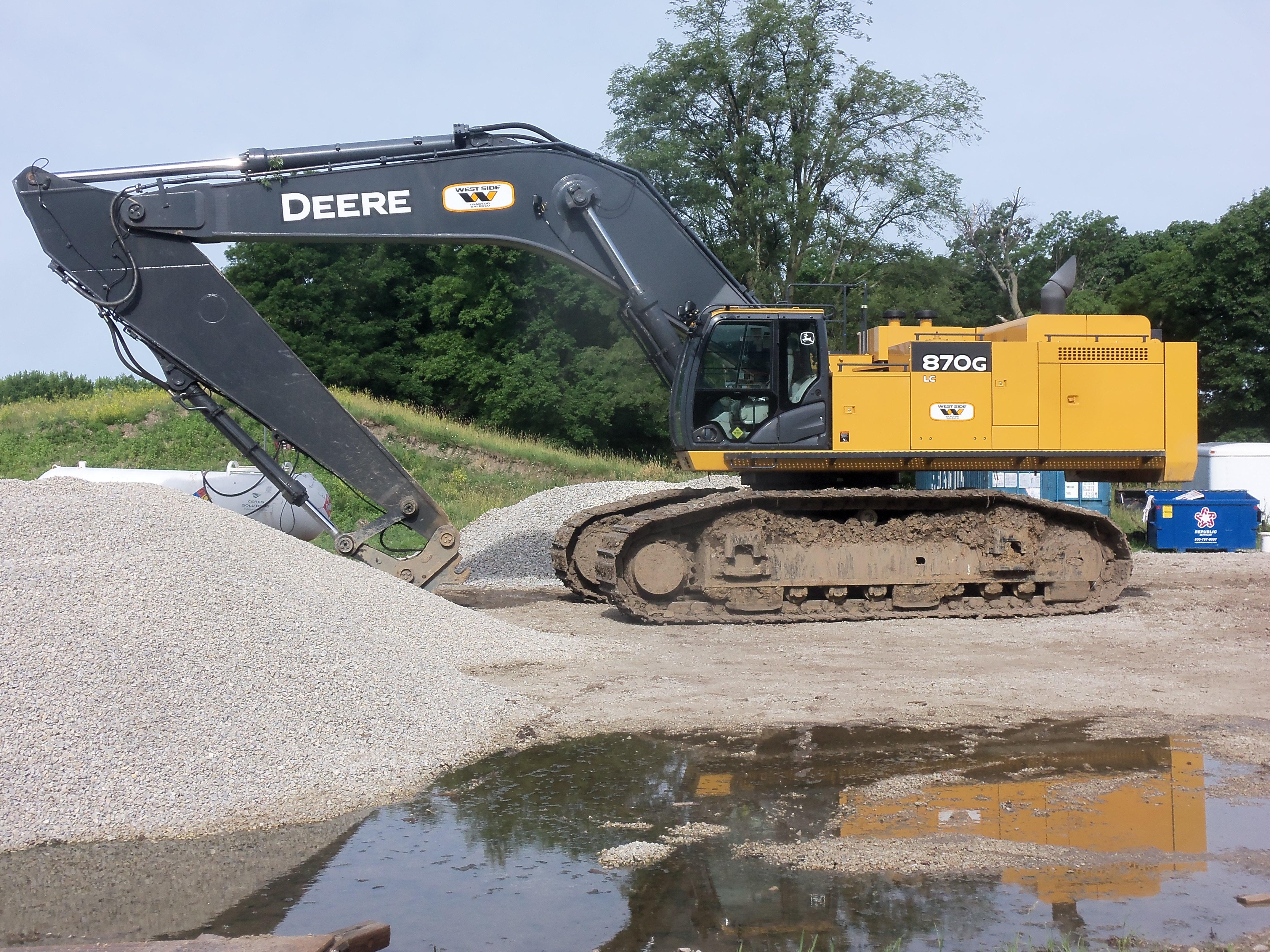JOhn Deere 870G LC | JD construction equipment | Pinterest