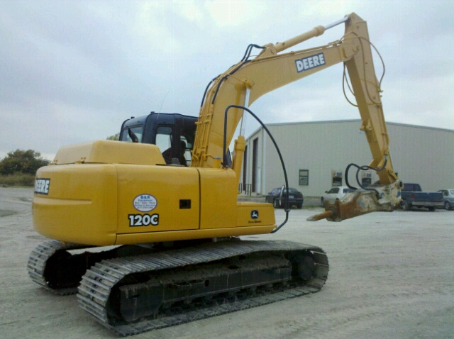 http://ping.fm/kQuao John Deere 120 Excavator with a Kent ...
