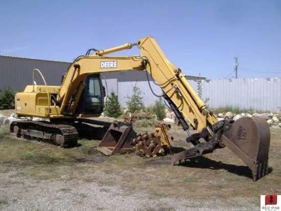 Excavators : John Deere 120C Excavator