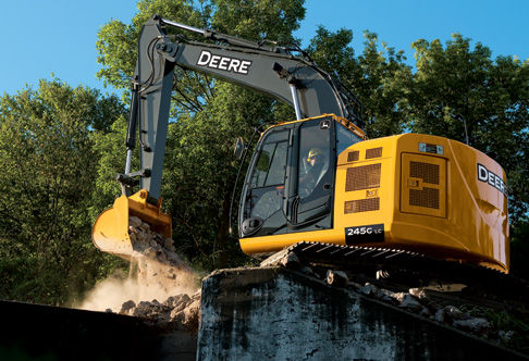 Excavator with cooling system | 245G LC | John Deere US