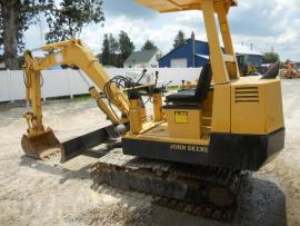 Transport a john deere mini excavator 25D to Hope