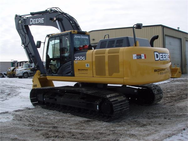 Used John Deere 250G LC crawler excavators Year: 2014 for ...