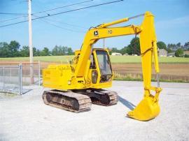 Equipment Transport John Deere 70 Excavator to Easton