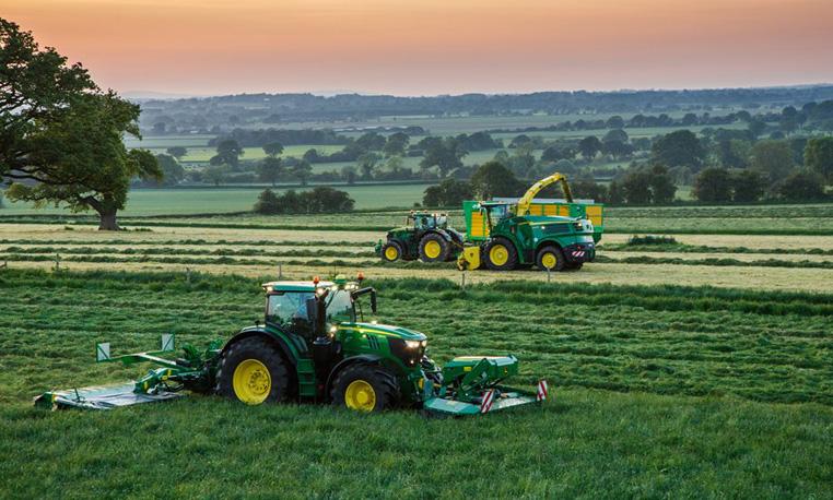 Self Propelled Forage Harvesters | John Deere GB