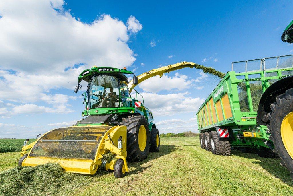John Deere adds new models to self-propelled forage harvester range ...