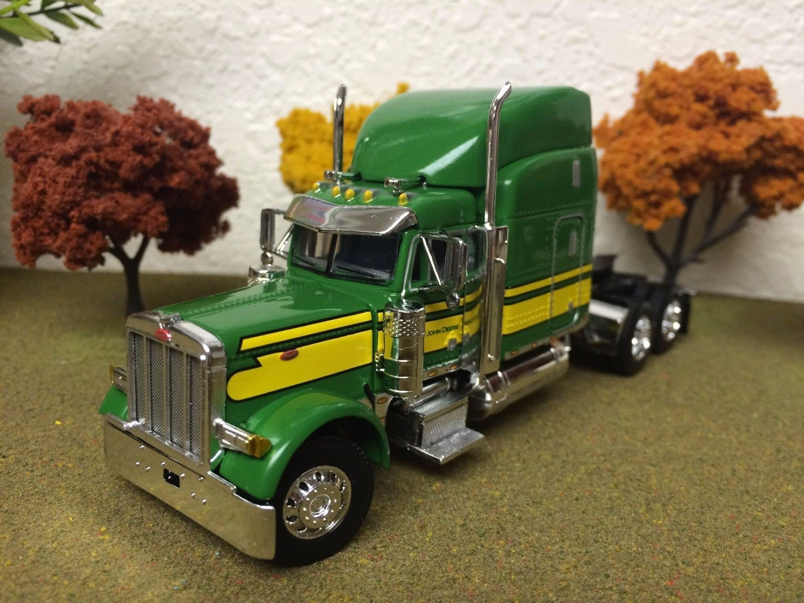 JOHN DEERE, 1/64, DCP, Peterbilt MODEL 379 Tractor Truck, with Cabin ...