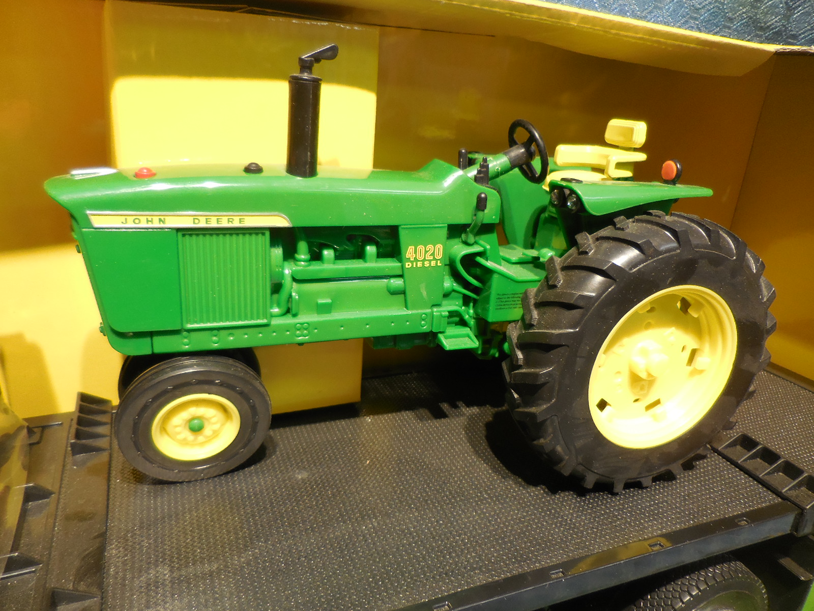 NEW Peterbilt 367 & John Deere 4020 Tractor Big Farm Toy Set - Texas ...