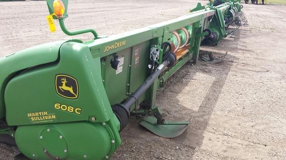 Corn and Row Crop headers : John Deere 608C STALKMASTER