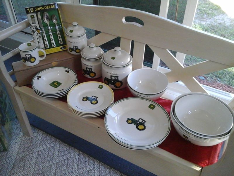 JOHN DEERE KITCHEN DECOR - Villages4sale